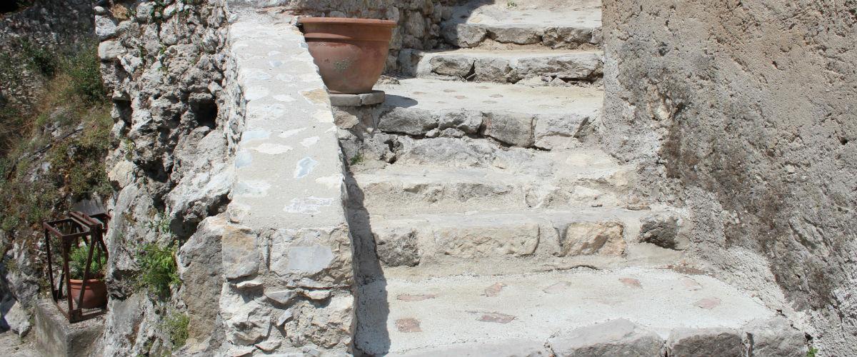 escaliers4 salle des meules 1200x500