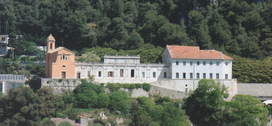 Le château et la chapelle de Saint-André de le Roche